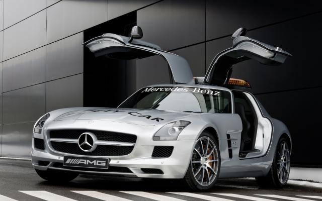 2010 F1 Safety Car SLS AMG 04